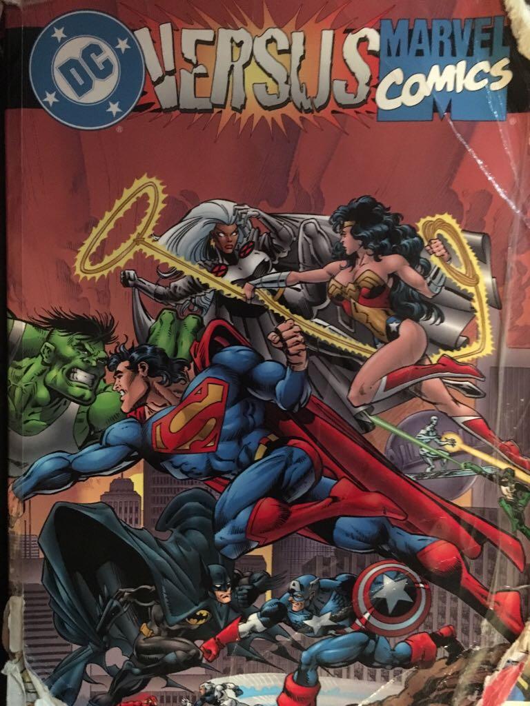 Dc Comics versus Marvel Comics -  cover