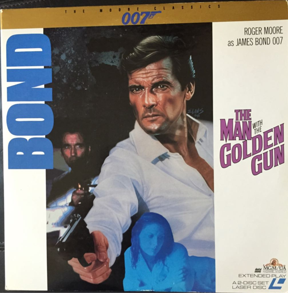 007. NR 9. The Man With The Golden Gun -  cover