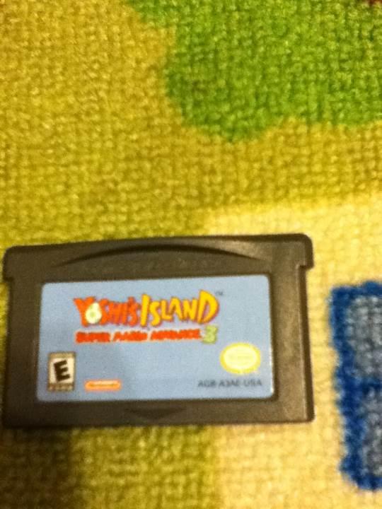 Yoshis Island - Game Boy Advance cover