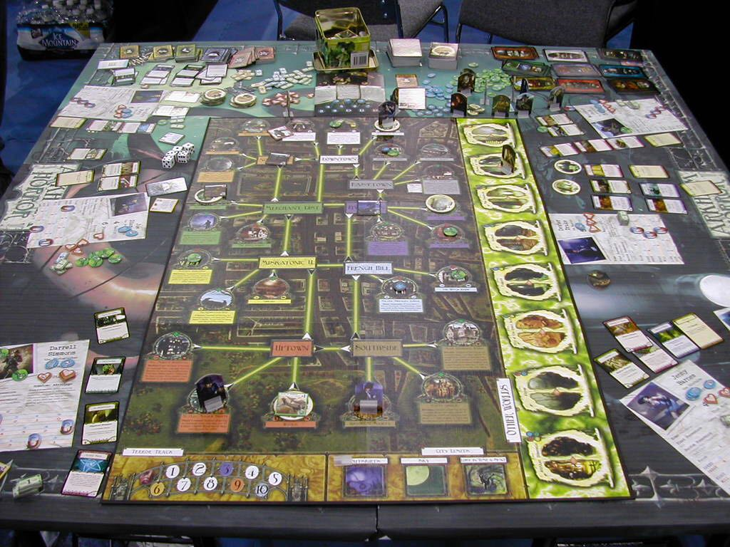 Arkham Horror Board Ga...