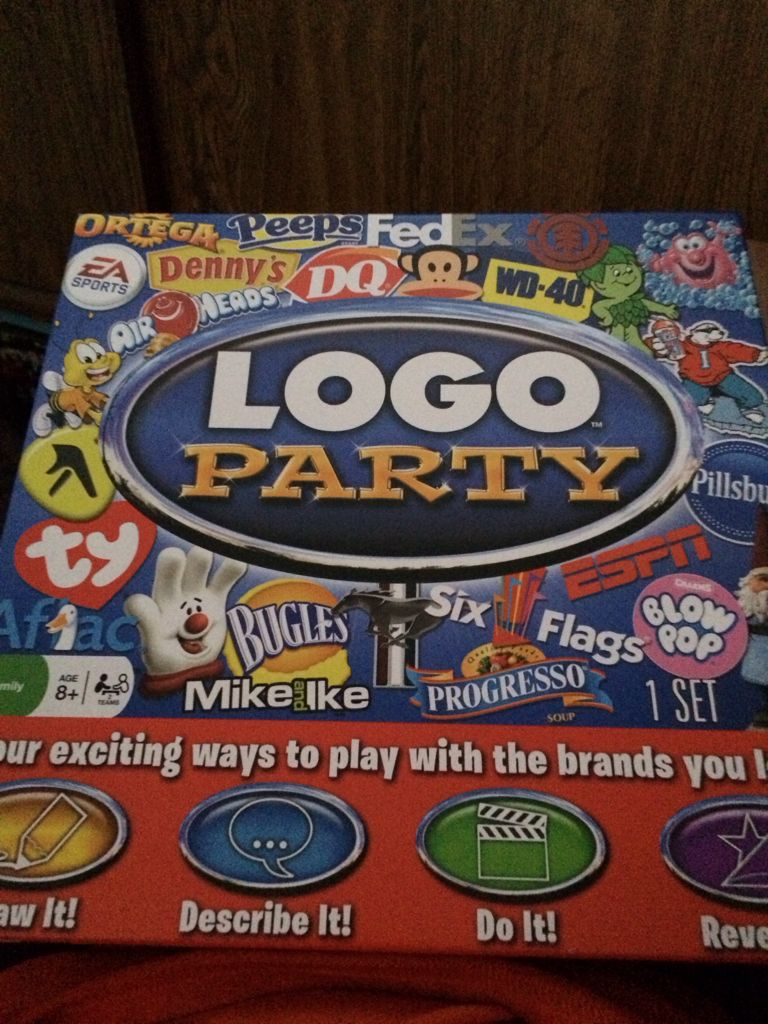 Logo Party Board Game - Spin Master (Party Game) front image (front cover)