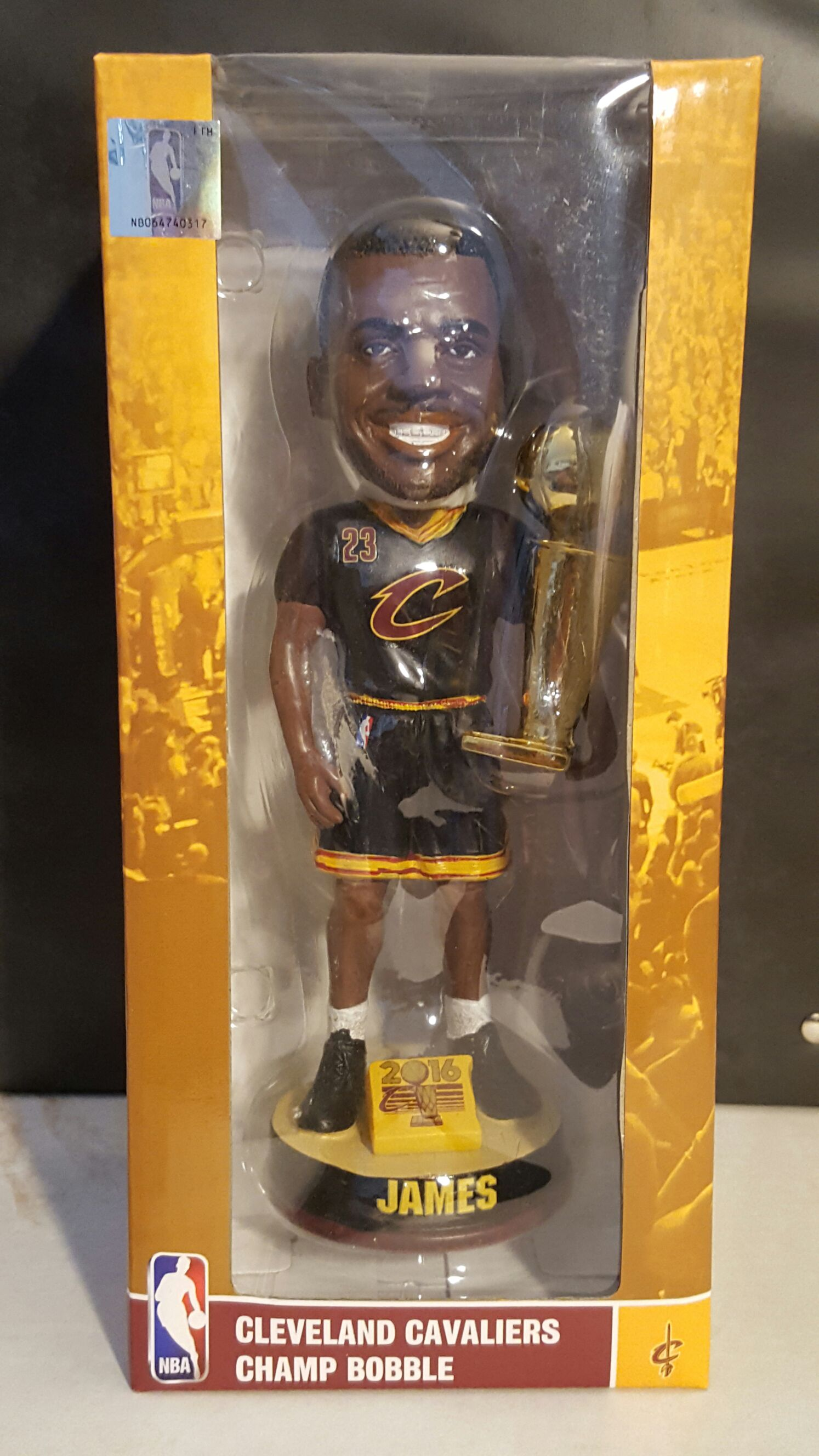 Lebron James Bobblehead - Basketball (2016) back image (back cover, second image)