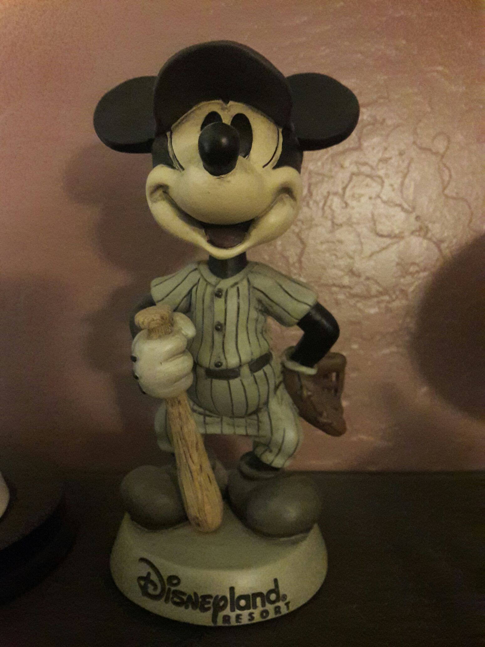 Mickey Mouse Baseball Disneyland Bobblehead - Disney front image (front cover)