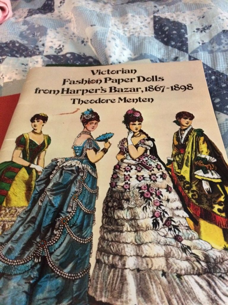 victorian paper dolls Jennifer's free printable doll's house & miniature there's are an awful lot to learn about victorian wallpaper the varnished paper went all the way.