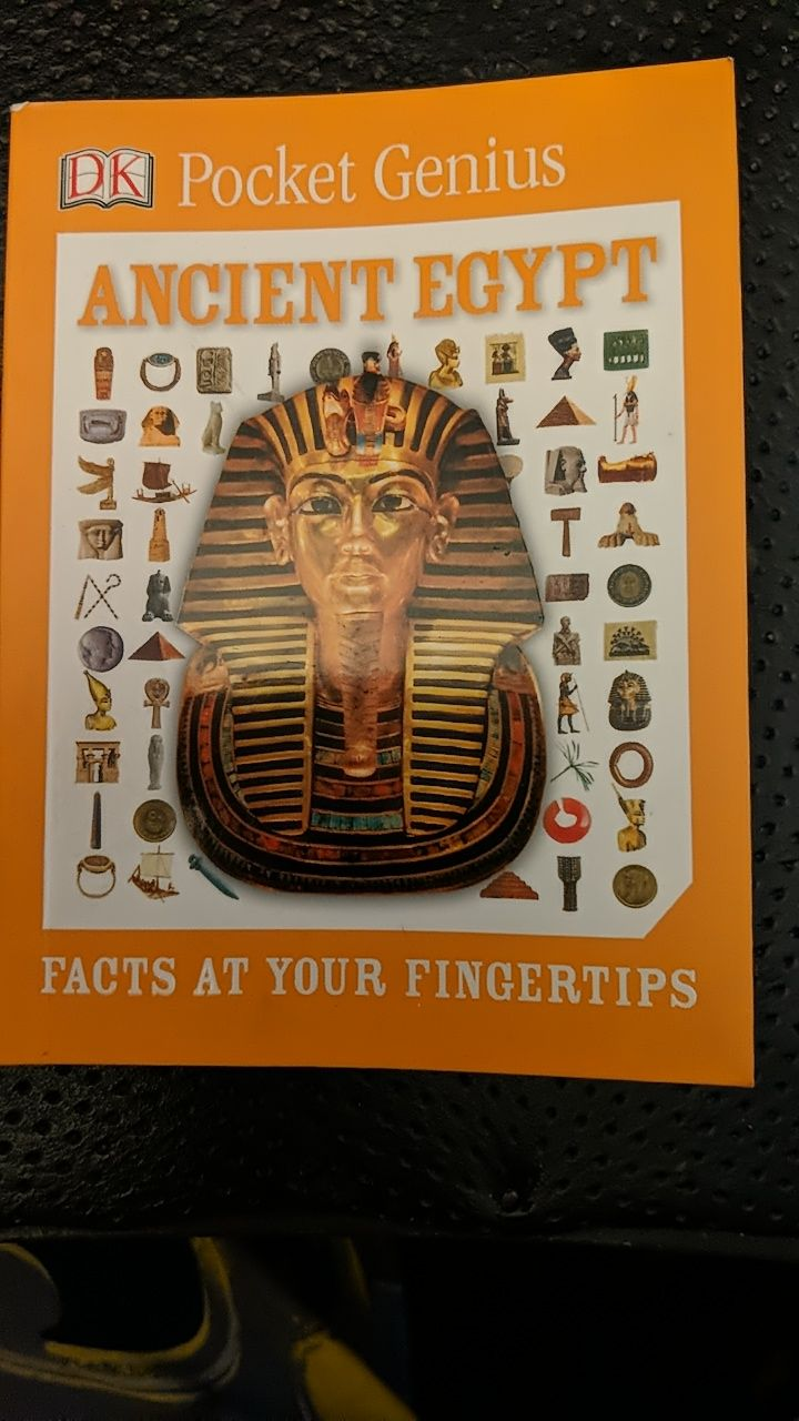 Ancient Egypt: Facts at your fingertips Book - DK Publishing front image (front cover)
