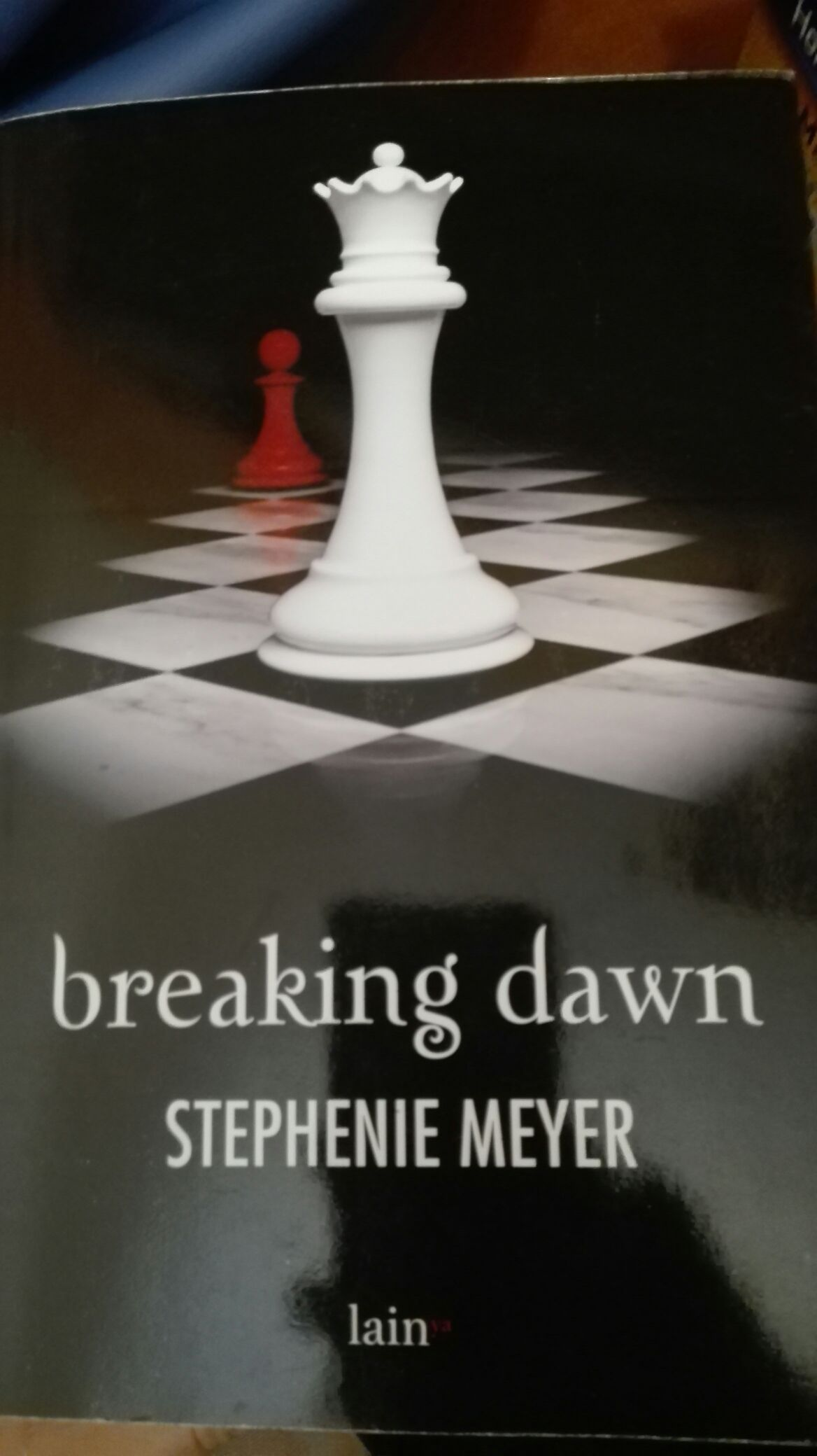 Breaking Dawn Book front image (front cover)