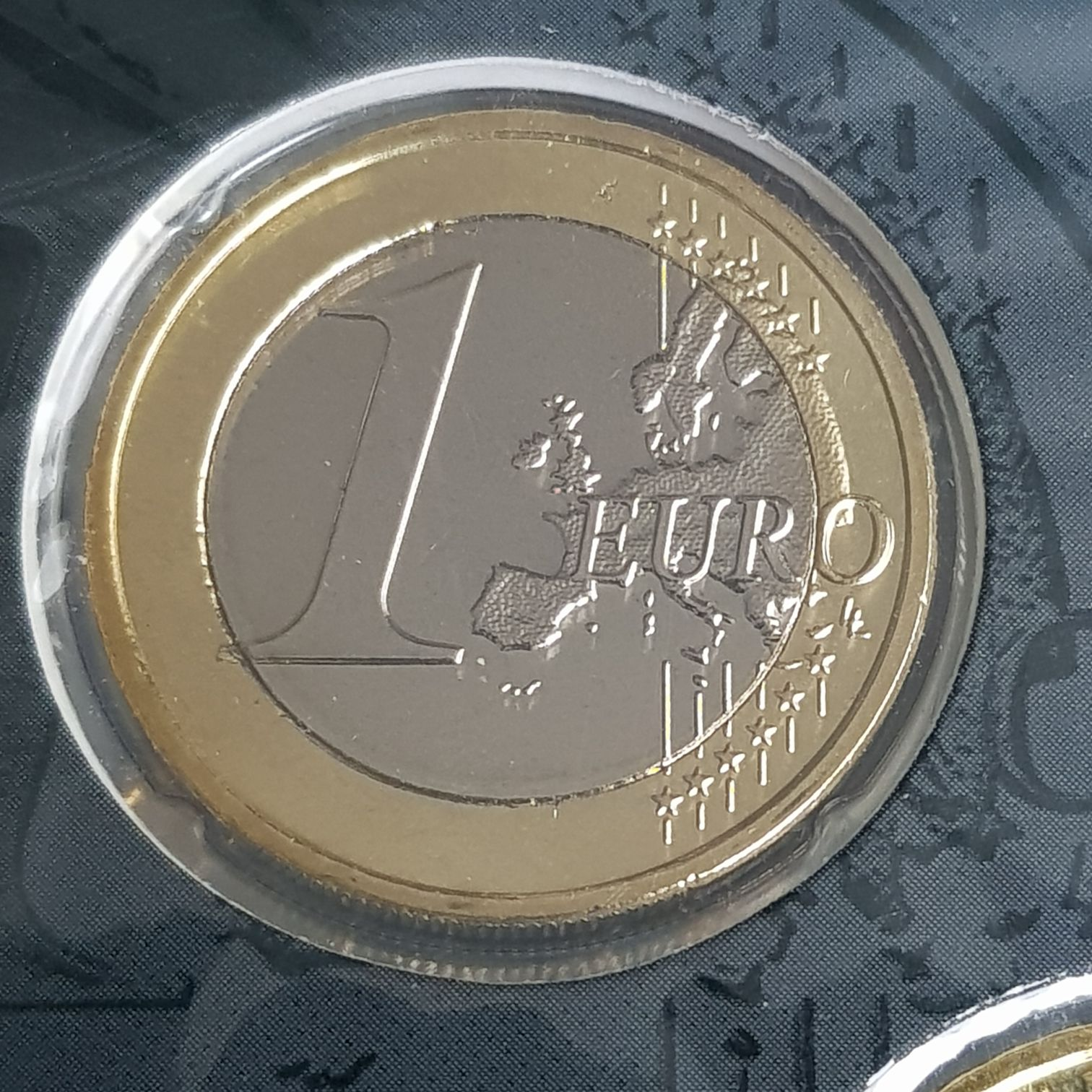 1 Euro Coin - $1 (2015) front image (front cover)
