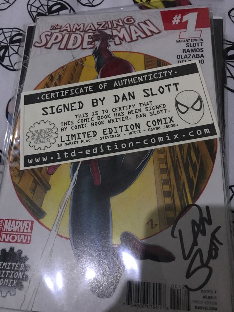 The Amazing Spider-man (signed Dan Slott And Limited Edition Comix) Comic Book (1) front image (front cover)