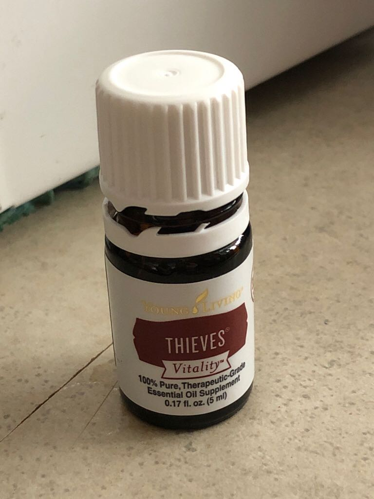 Thieves Currency front image (front cover)