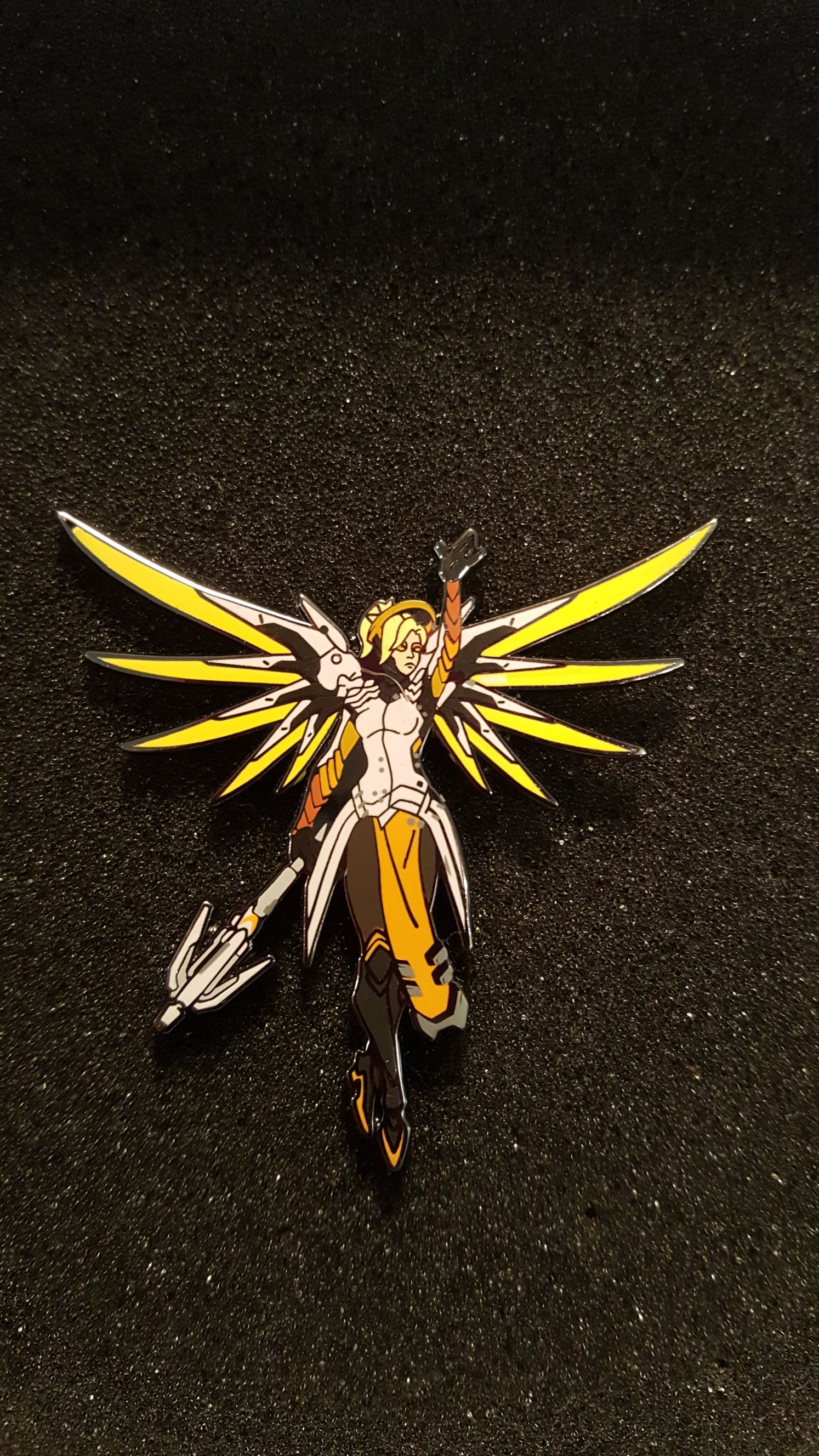 Blizzard Mercy color S4 2017 Disneypin front image (front cover)