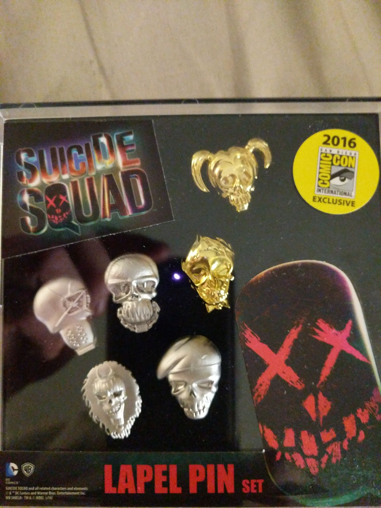 Suicide Squad Lapel Pin Set Disneypin front image (front cover)