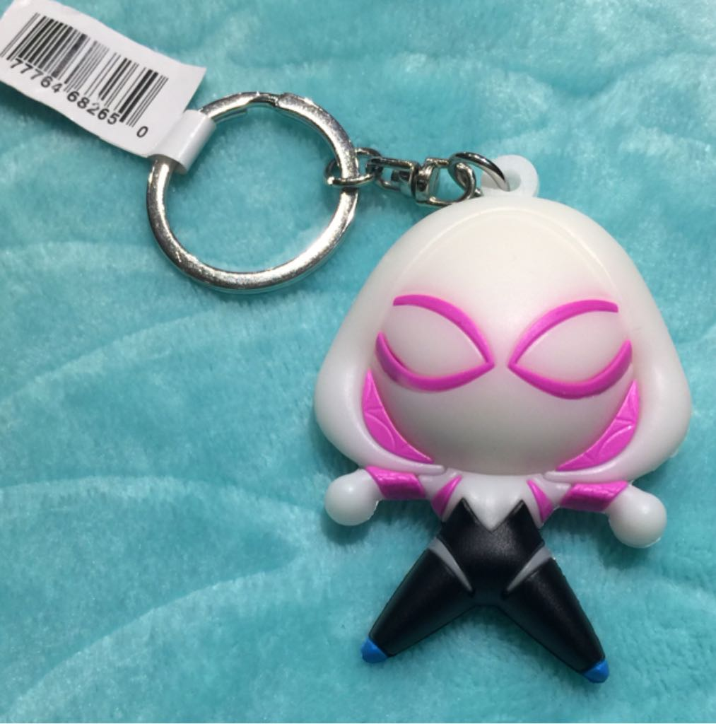 Spider Gwen Disneypin front image (front cover)