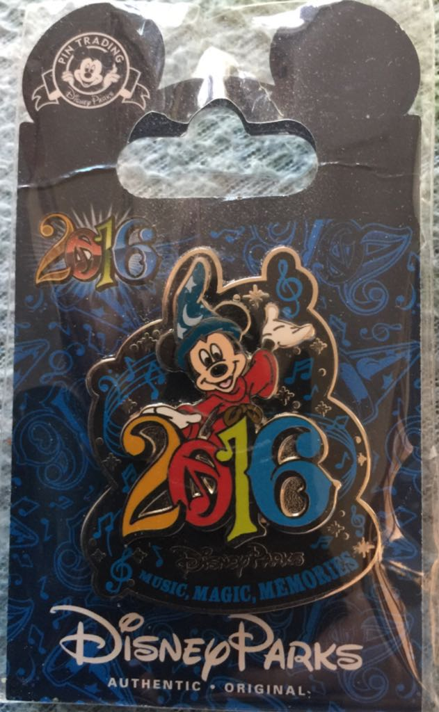 Mickey 2016 Disneypin front image (front cover)