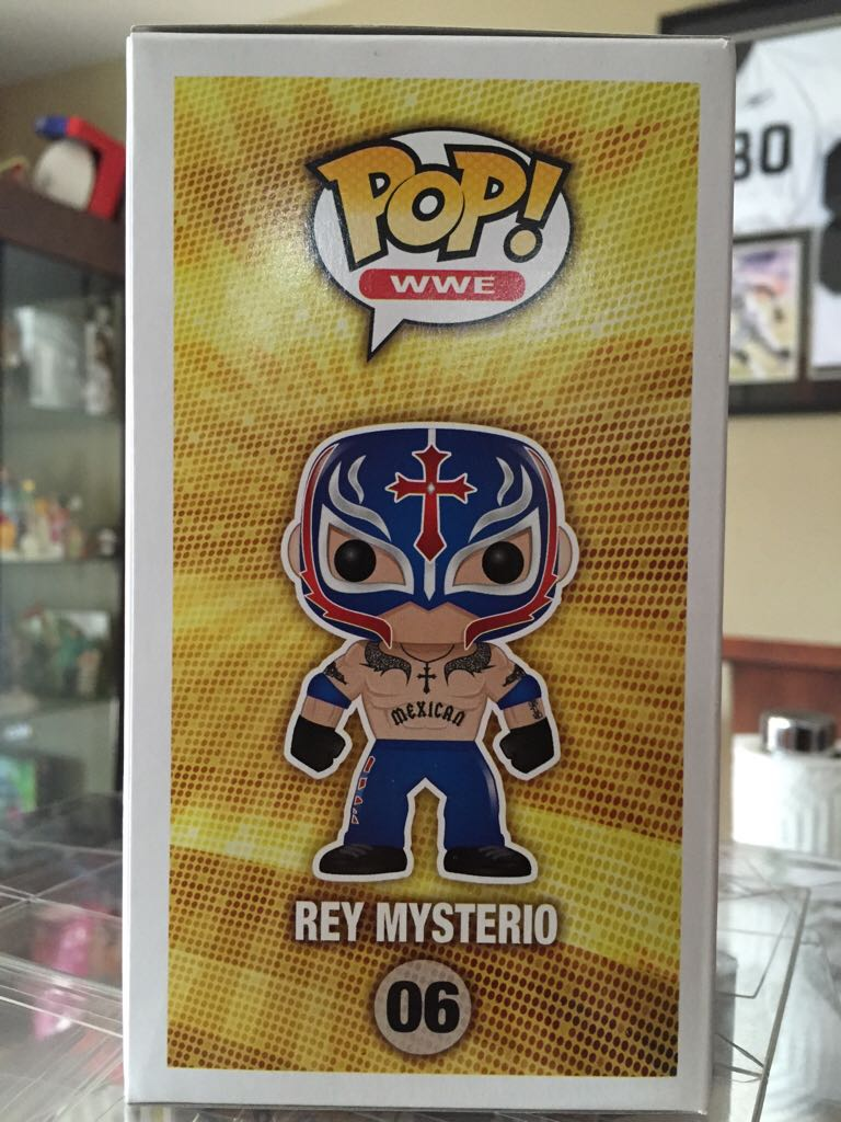 Rey Mysterio Funko - POP! WWE (02) back image (back cover, second image)