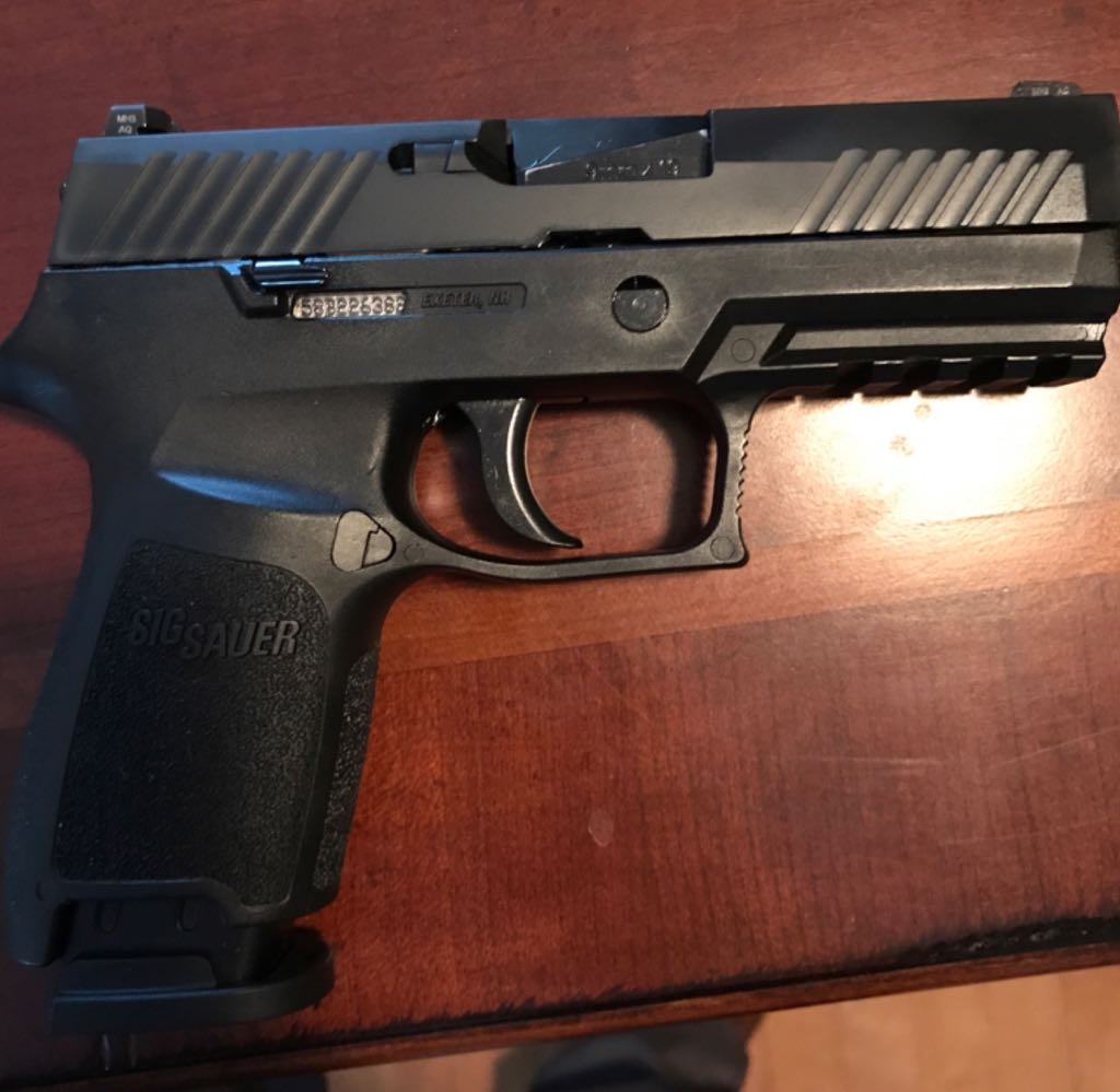 Sig Sauer P320C-9-BSS Gun - Sig Sauer (Semi-automatic Pistol) front image (front cover)