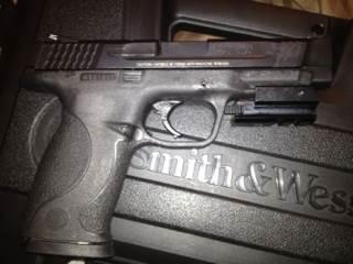M&P 45 Gun - Smith&Wesson (Semi-automatic Pistol) front image (front cover)