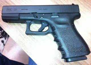 Glock G25 Gun - Glock (Semi-automatic Pistol) front image (front cover)