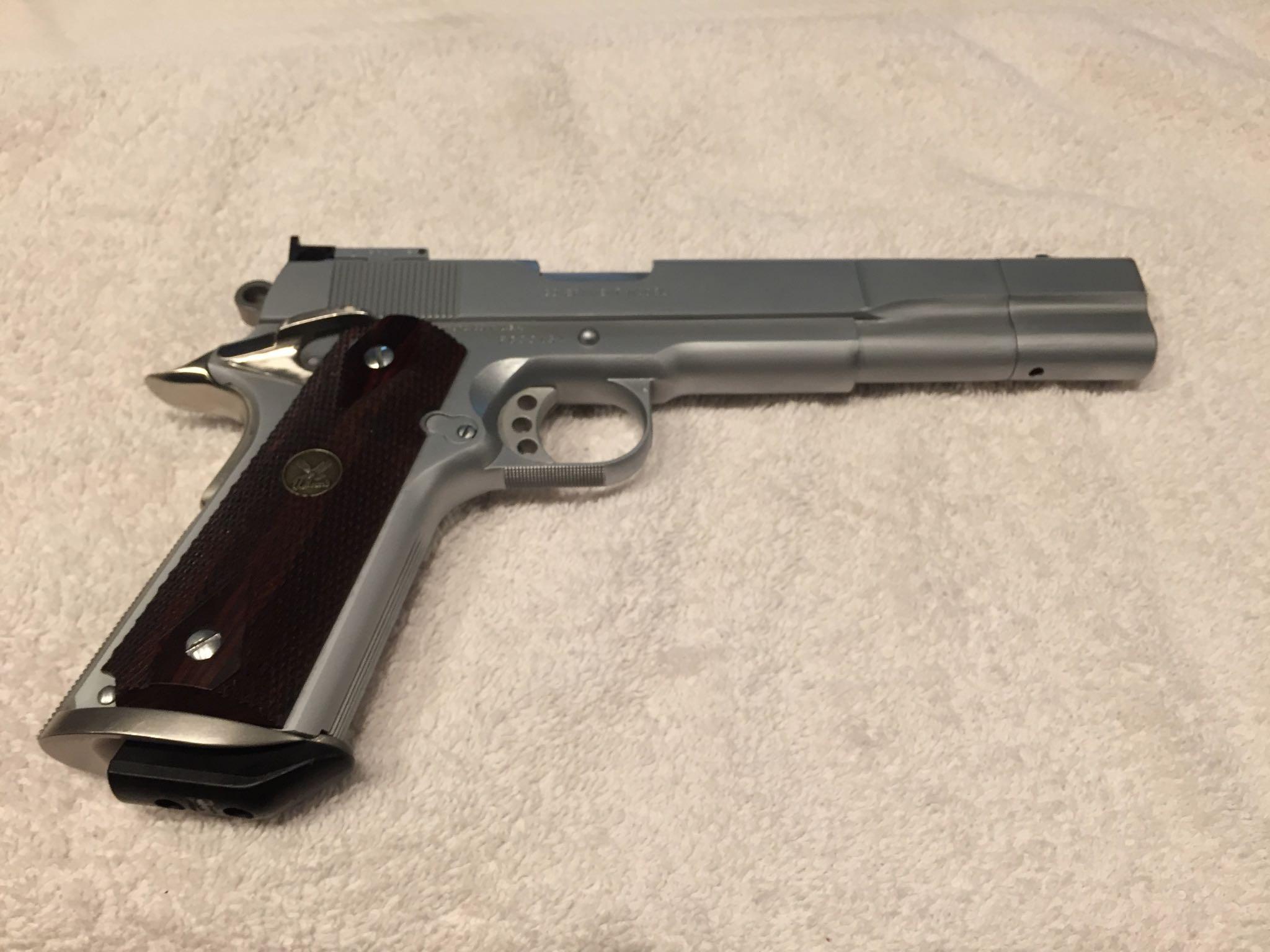 1911 Gun - Colt (Semi-automatic Pistol) front image (front cover)