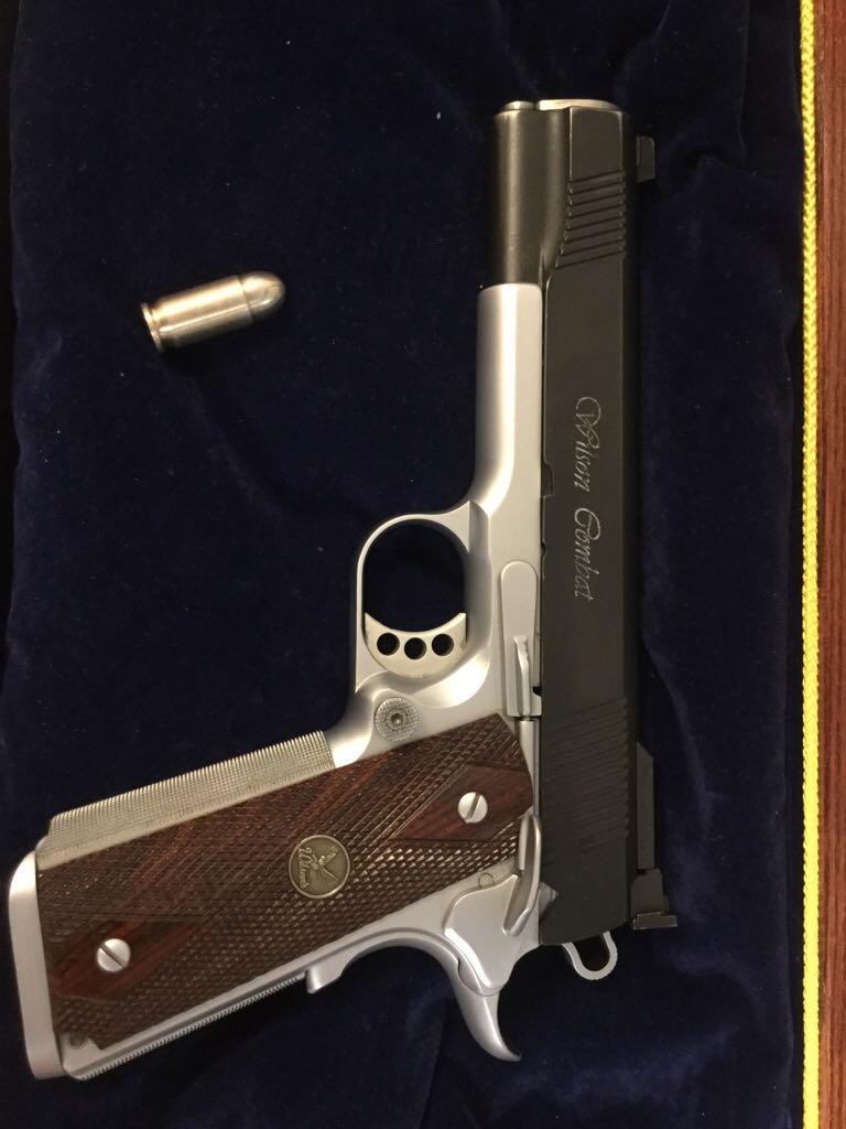 Wilson Combat Supergrade Gun back image (back cover, second image)