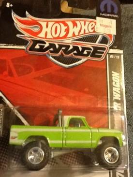 Hot Wheels Garage Toy Car, Die Cast, And Hot Wheels - 70 Dodge Power Wagon (2011) front image (front cover)
