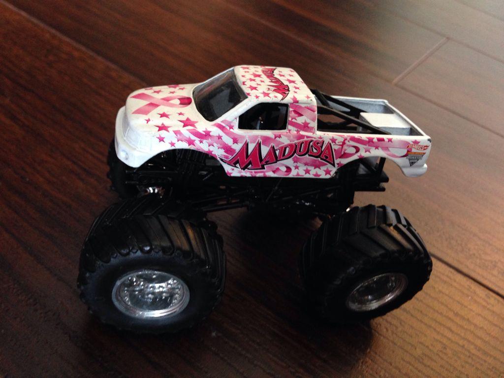 Ausmalbild Madusa Monster Truck: Madusa (white) 1:64 Toy Car, Die Cast, And Hot Wheels