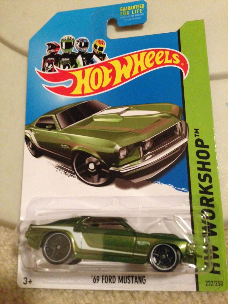 Hot wheels 69 ford mustang toy car die cast and hot wheels