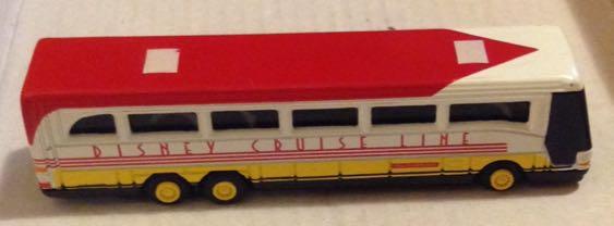 Disney Cruise Line Rojo Y Blanco Toy Car Die Cast And Hot Wheels - Toy disney cruise ship