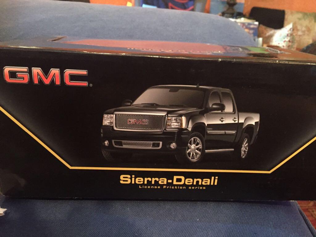GMC Sierra-Denali License Friction Series Toy Car, Die Cast