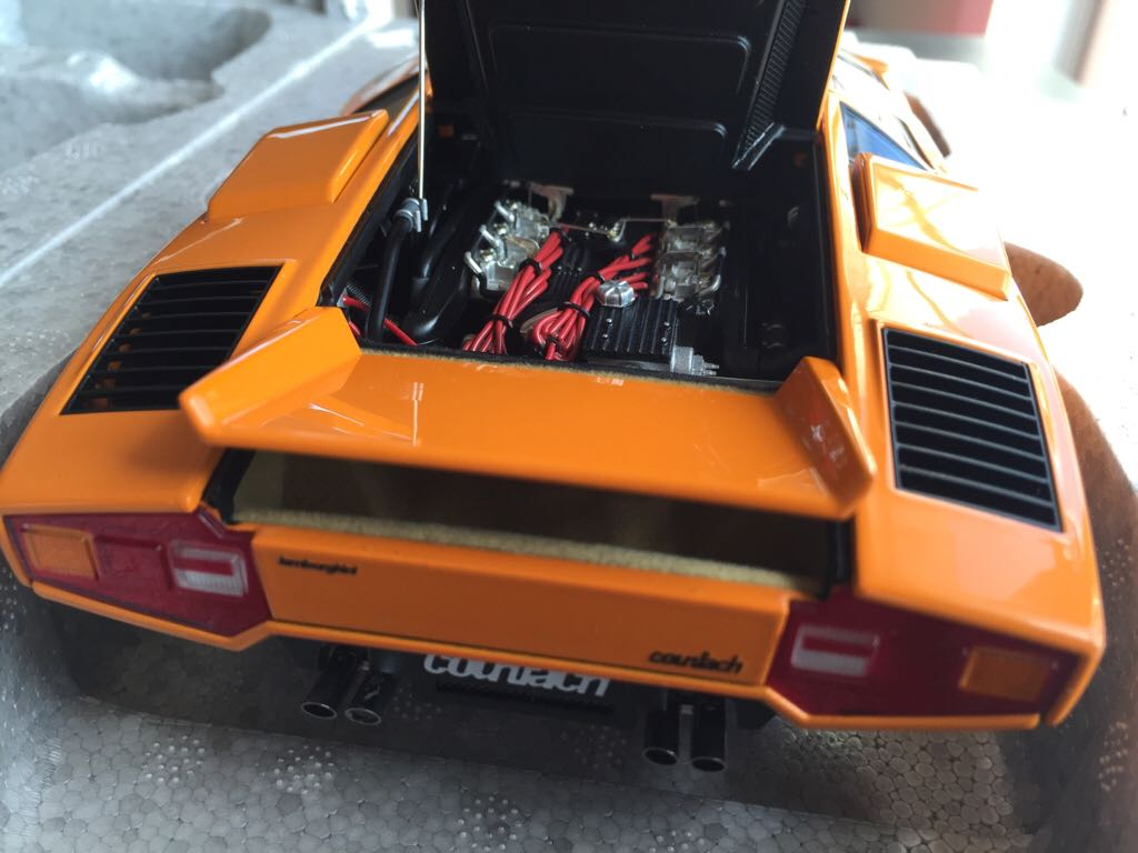 lamborghini countach lp400 toy car die cast and hot wheels autoart 1971 from sort it apps. Black Bedroom Furniture Sets. Home Design Ideas