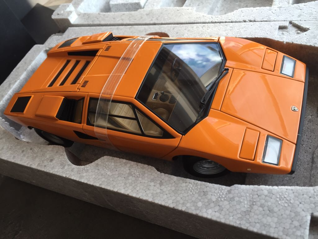 lamborghini countach lp400 toy car die cast and hot wheels autoart 1971. Black Bedroom Furniture Sets. Home Design Ideas