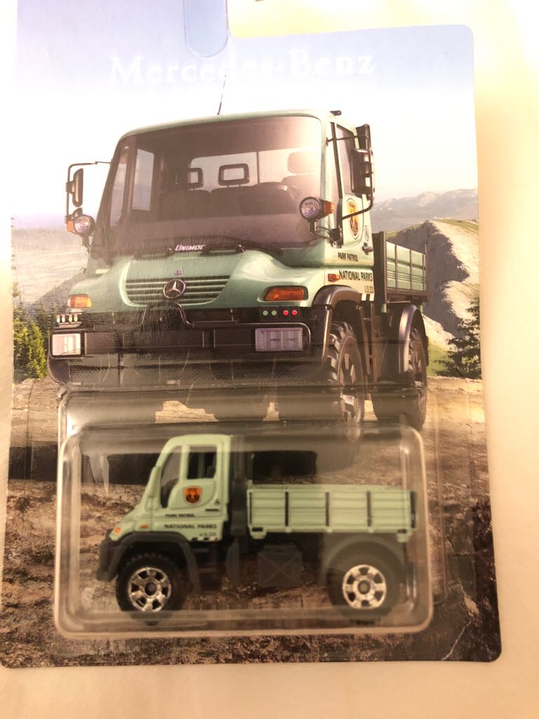 Mb Mercedes Benz Unimog 300 Toy Car Die Cast And Hot Wheels