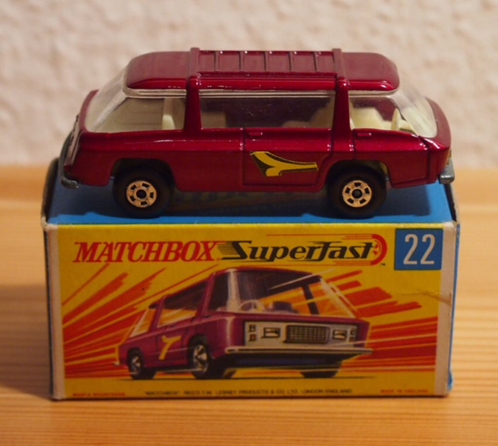 MB 22-B Toy Car, Die Cast, And Hot Wheels - Freeman Intercity Commuter (1970) front image (front cover)