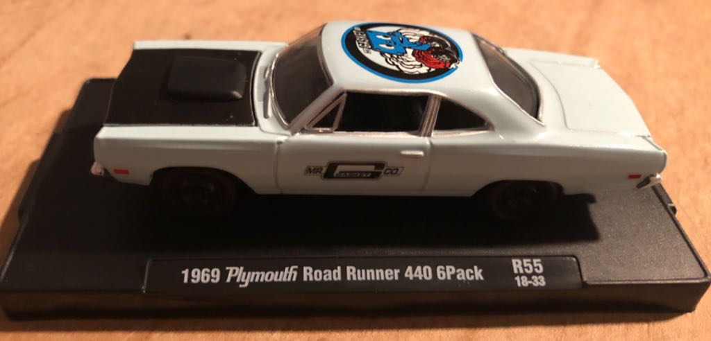 Plymouth Road Runner 440 6Pack '69 Toy Car, Die Cast, And Hot Wheels front image (front cover)