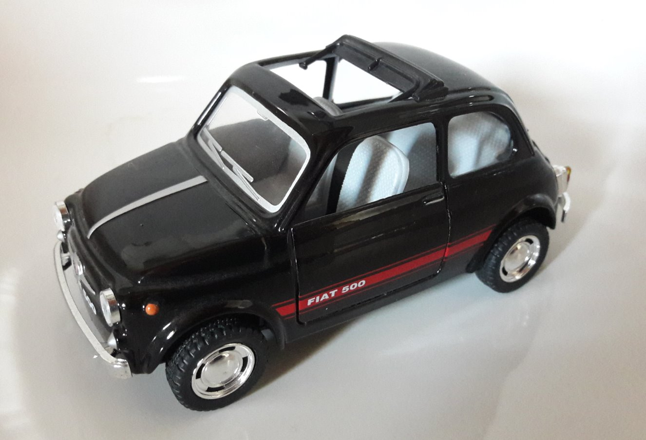 Fiat 500 Toy Car, Die Cast, And Hot Wheels - Tettuccio aperto (2015) front image (front cover)