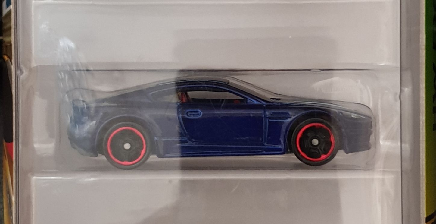 2018 HW Exotics 5 Pack : Aston Martin DBS Toy Car, Die Cast, And Hot Wheels (2018) front image (front cover)