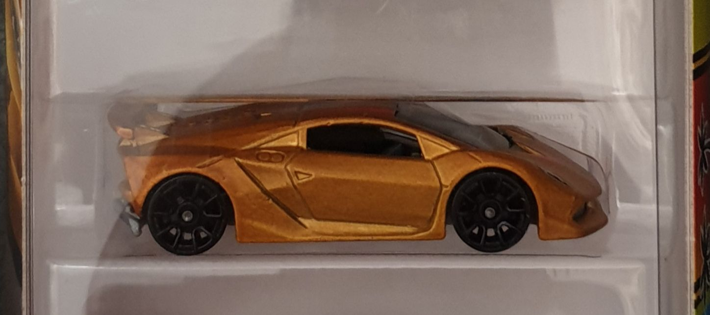 2018 HW Exotics 5 Pack : Lamborghini Sesto Elemento Toy Car, Die Cast, And Hot Wheels (2018) front image (front cover)