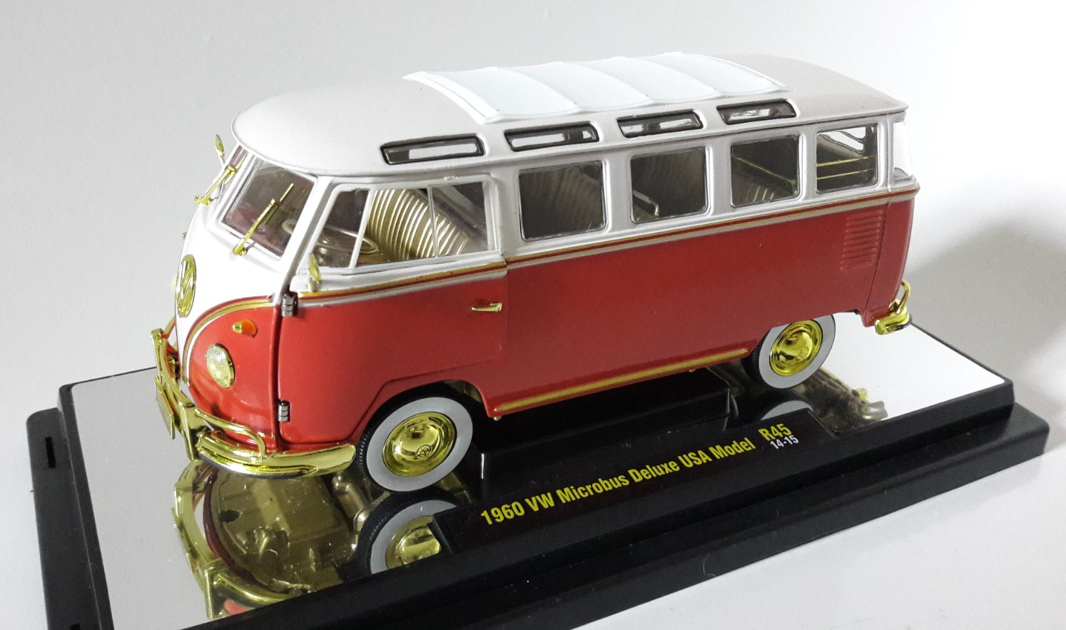VW Microbus Deluxe USA Model Toy Car, Die Cast, And Hot Wheels (1960) front image (front cover)