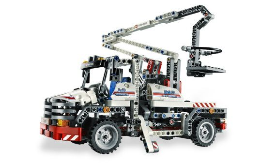 Bucket Truck LEGO - Technic (8071) back image (back cover, second image)