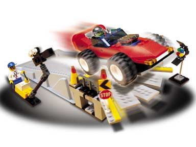 Car Stunt Studios LEGO - Cars and Trucks (1353) back image (back cover, second image)