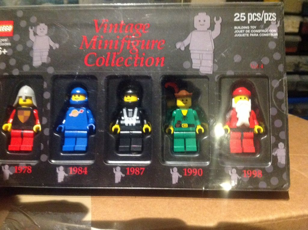 Lego Bricktober Vintage MiniFigure Collection Vol.4 With Benny From ...