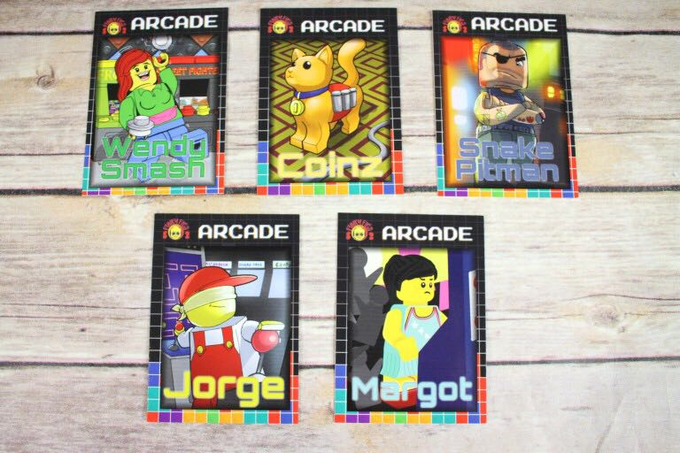 Arcade Funky Figs Cards LEGO - Series 2 (N/A) front image (front cover)