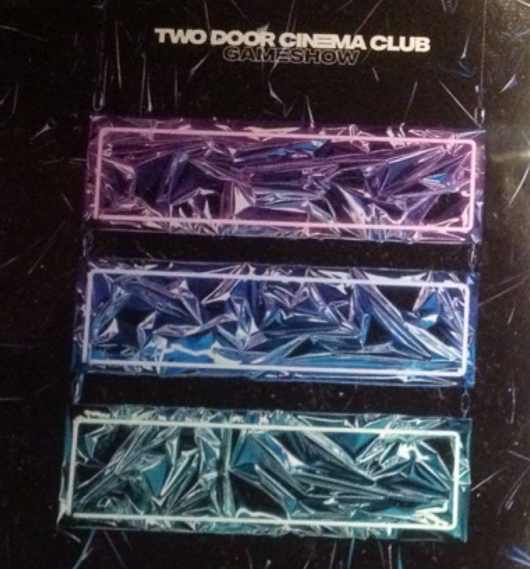 TWO DOOR CINEMA CLUB GAMESHOW СКАЧАТЬ БЕСПЛАТНО