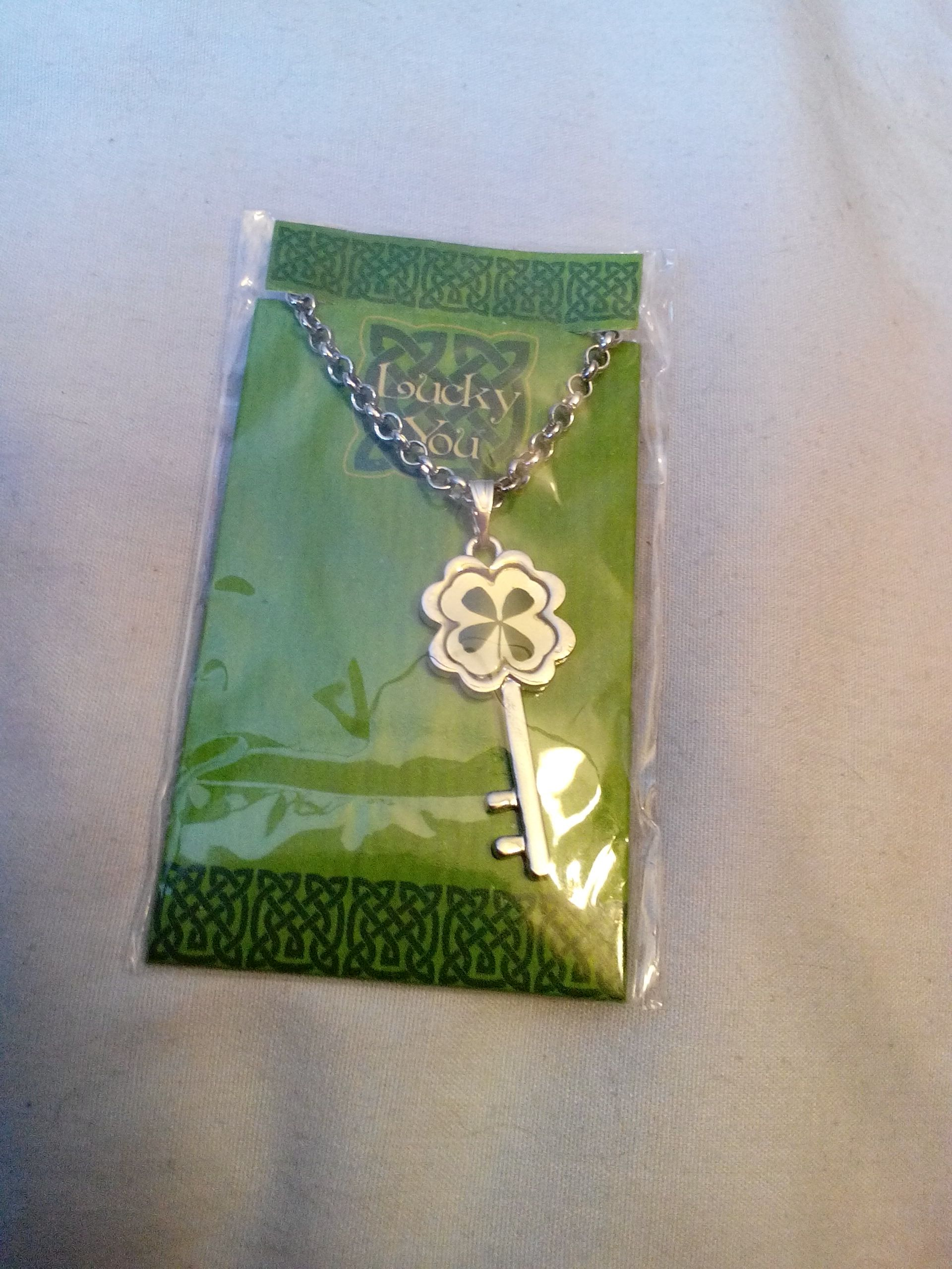 Lucky You Key Necklace Ornament front image (front cover)