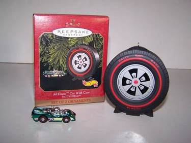 Hallmark Ornament  1999 JET THREAT CAR WITH CASE//HOT WHEELS