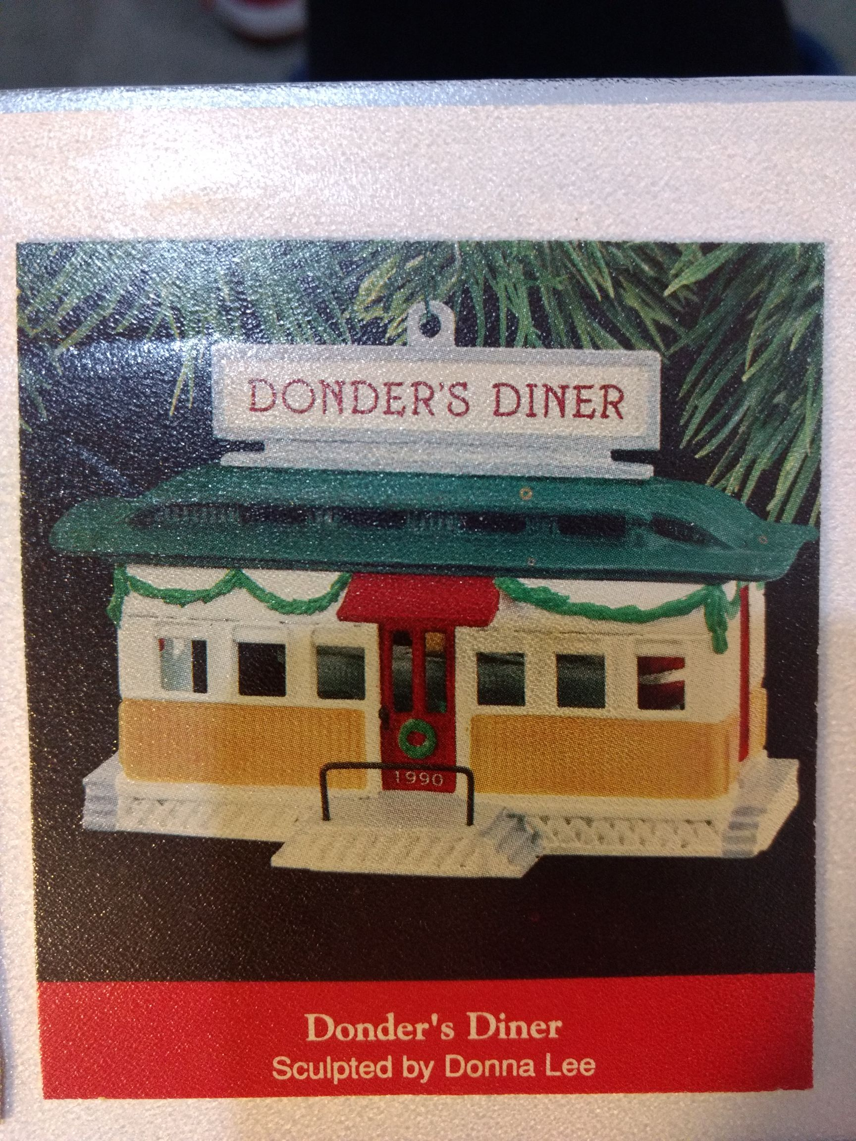 Buildings - Donder's Diner Ornament - Hallmark front image (front cover)