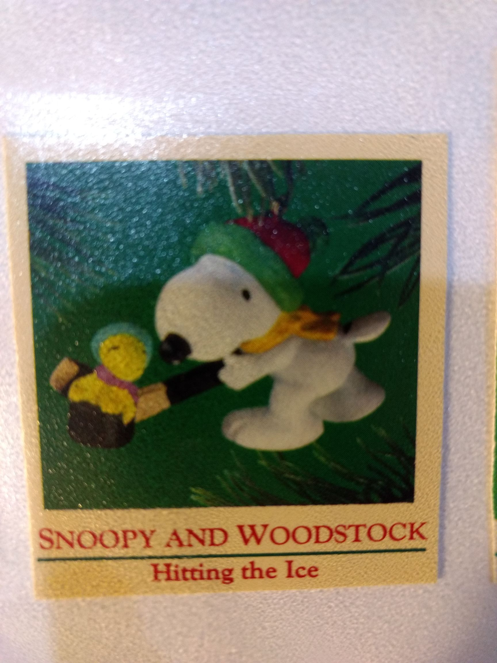 Peanuts Gang - Snoopy & Woodstock - Hitting The Ice Ornament front image (front cover)