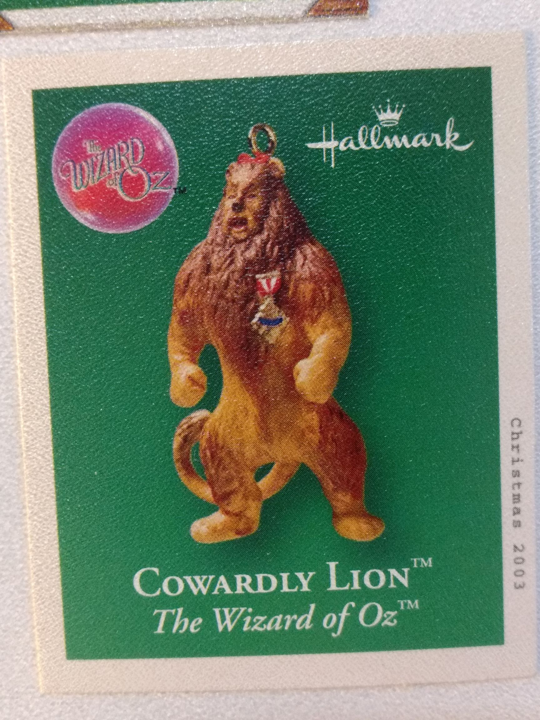 Z - Wizard Of Oz - Cowardly Lion Ornament - Hallmark front image (front cover)