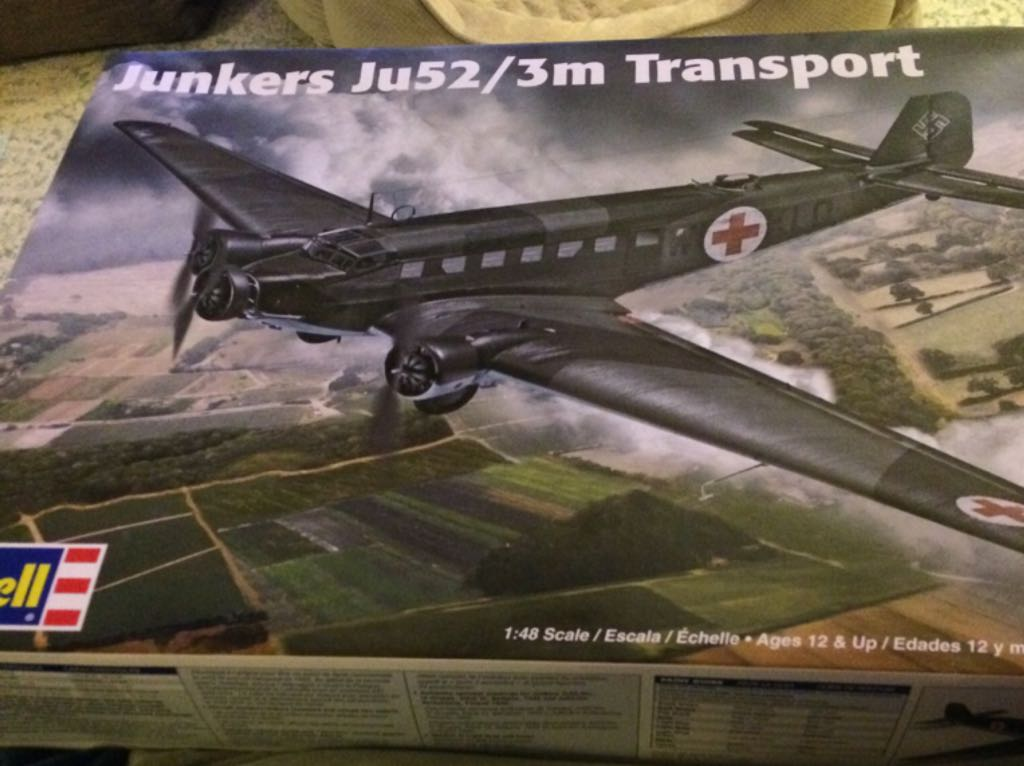 Junkers Ju52/3m Transport Plane - Revell front image (front cover)