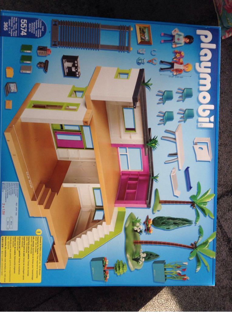 PLAYMOBIL® City Life Moderne Luxusvilla 5574 Playmobil   City Life (5574)  Back Image