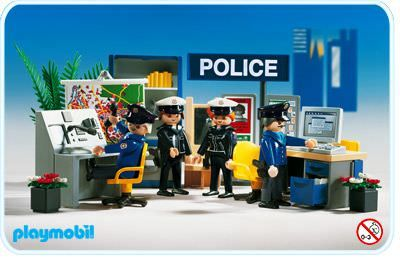 "3957 Police Station Playmobil - City Action ""Police"" (3957) front image (front cover)"